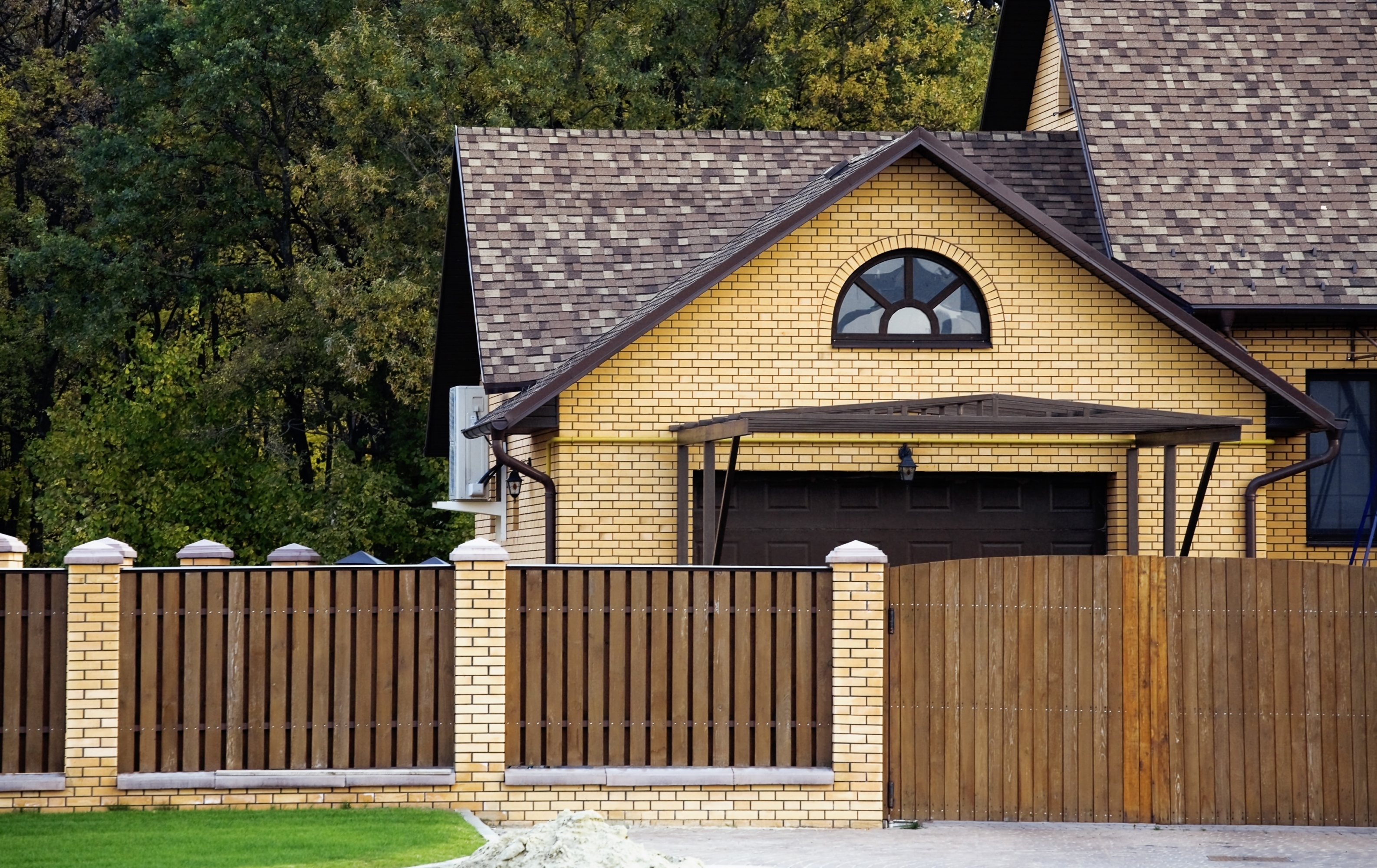 Boost Your Beachfront Value With A New Fence